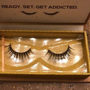 Lashaholic luxury lashes